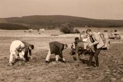 Flugplatz-Ausbau 1962: mühevolle Handarbeit